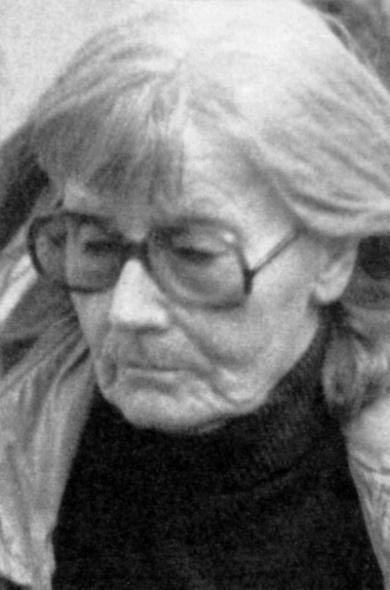 Greta garbo press articles gente ca 1999 for Greta garbo morte